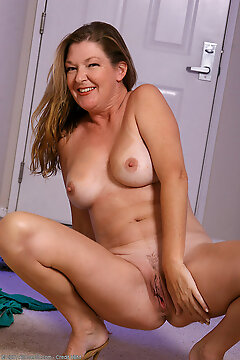 Over 30 Milf - Allover30.com
