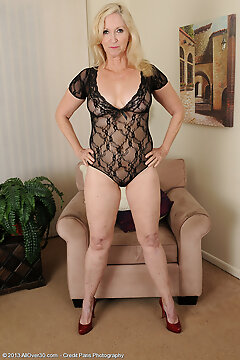 Mature Pictures Featuring 57 Year Old Annabelle From Allover30